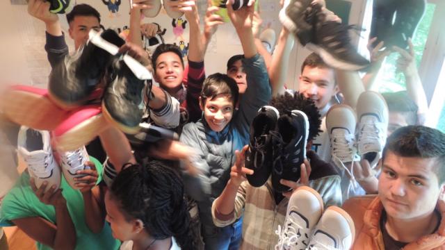 Geldspende der Schule Grub AR an das Zentrum für Asylsuchende in der Landegg